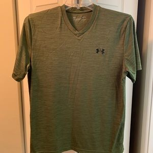 Under armour v neck training shirt